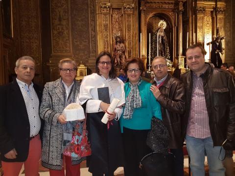 Recibiendo el Premio Extraordinario de Doctorado, junto a mi familia